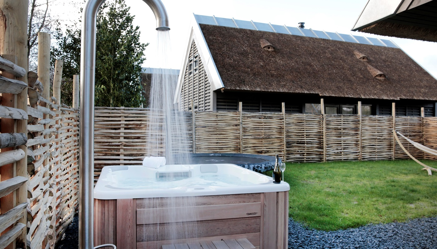 Duynvoet schoorl luxe 8 persoons villa s met jacuzzi for Vakantiehuis met jacuzzi