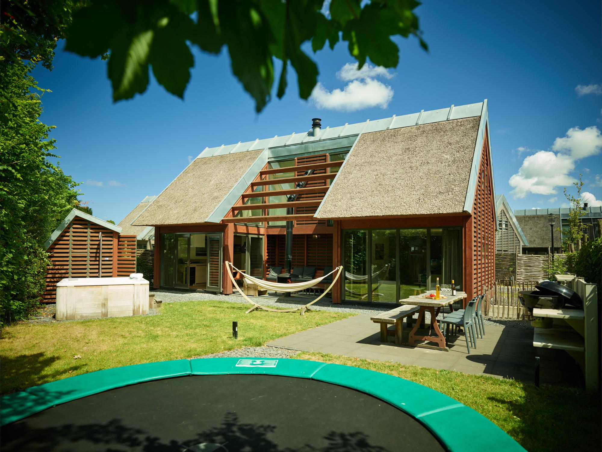 Luxe vakantiehuizen kleinschalige vakantieparken for Huisje met sauna en jacuzzi 2 personen