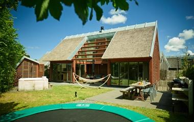 Vakantiehuis aan zee l luxe villa 39 s met sauna of jacuzzi for Vakantiehuis met jacuzzi