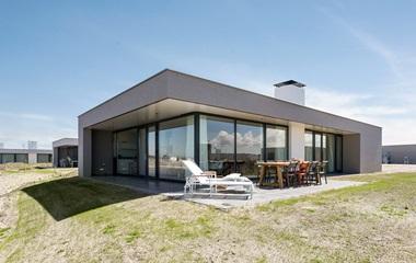 vakantiehuis aan zee l luxe villa 39 s met sauna of jacuzzi. Black Bedroom Furniture Sets. Home Design Ideas